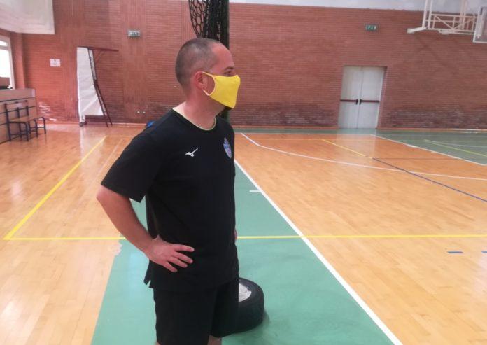 La Schoolvolley ripone fiducia in coach Farinelli. Il tecnico folignate confermato alla guida delle giallonere anche per la prossima stagione di B2
