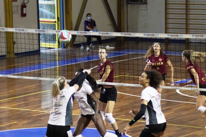 Sconfitta in quattro set per le ragazze di Cristofani nella nona edizione del torneo eugubino